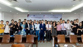 BMB Steel and VSE Institute hold a talk show at Ton Duc Thang University