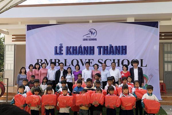 Inauguration Ceremony of Ia Bang Primary School No. 1, Dak Doa district, Gia Lai province.